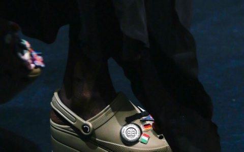 升级版厚底洞洞鞋,超高级的丑陋